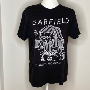 """Vintage Garfield """"I Hate Mondays"""" Outlined Tee"""